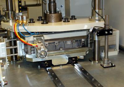 Automotive bedplate casting leak test press frame